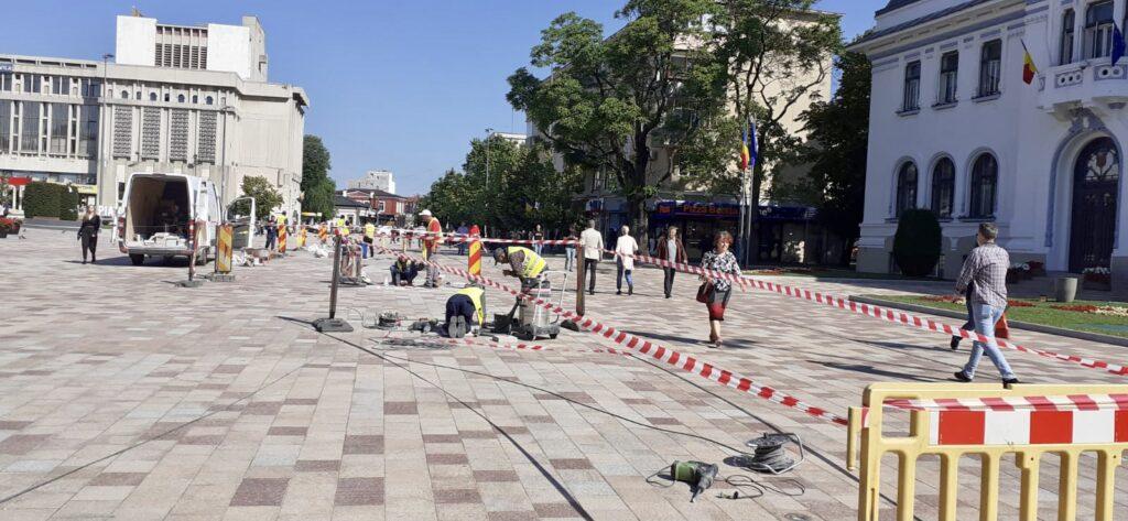 Piaţa de 3 milioane euro a Primăriei are nevoie deja de cârpeli!