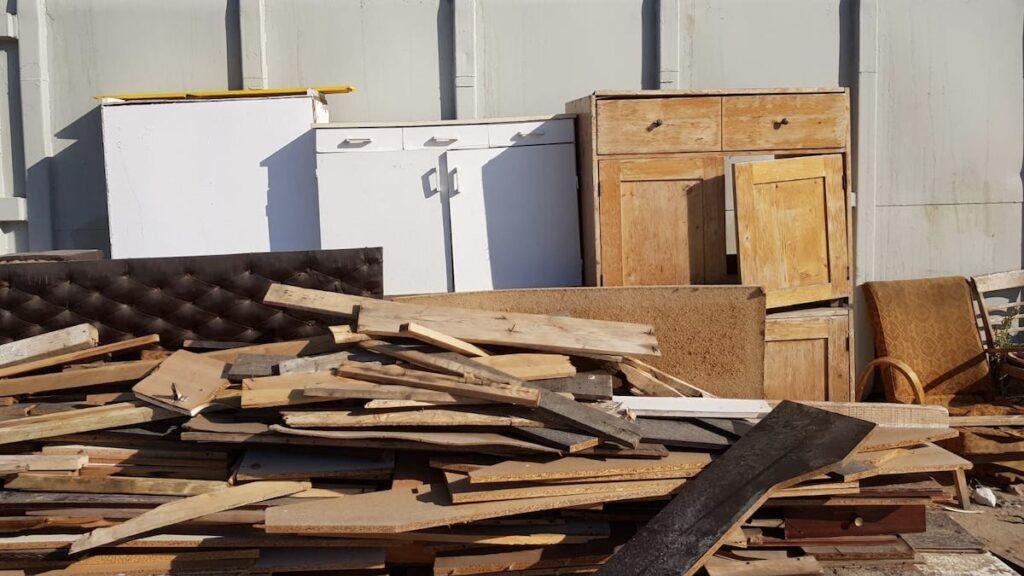 Campanie de colectare a deşeurilor voluminoase la Piteşti