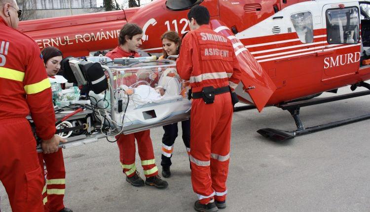 Bebeluș născut în Pitești, transferat de urgență în capitală