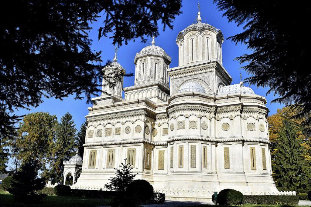 Bani publici pentru lăcașuri de cult din Argeş
