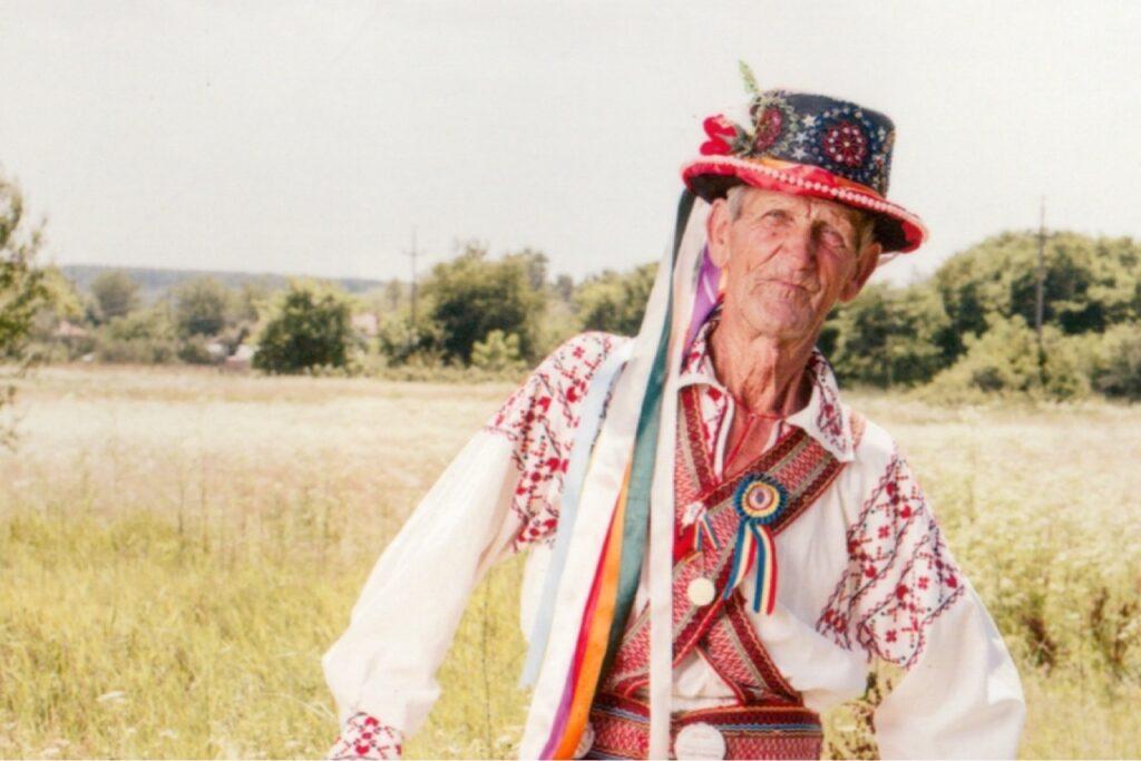Sărit de 80 de ani, Petre Măsală, nu se lasă de căluș!