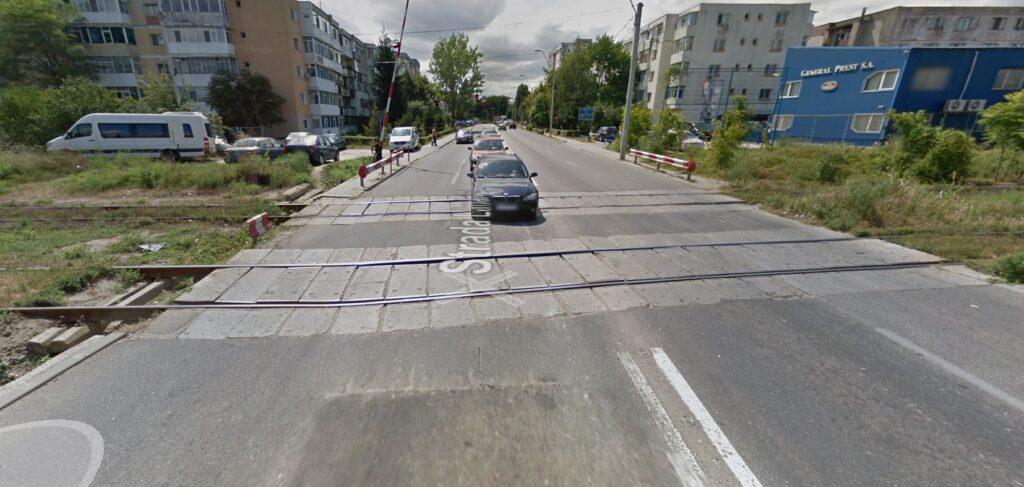 În sfârșit! Se modernizează trecerea la nivel cu calea ferată de pe strada Lânăriei, din Prundu