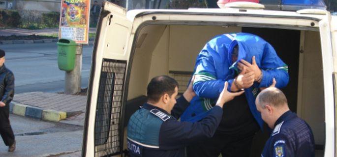 Încă un bărbat violent dat afară din casă la Bascov