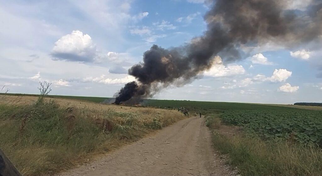 Video: Arde la greu la Costești