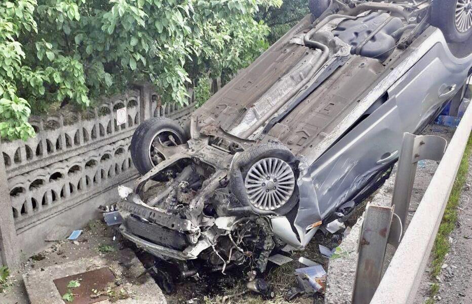 Mașină răsturnată în Argeș