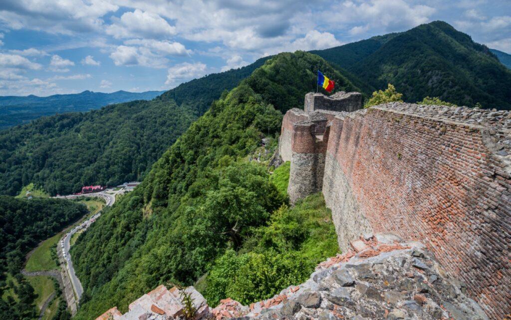 Cetatea Poenari a primit finanţare pentru restaurare