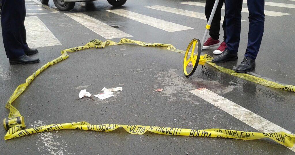 Minor cu bicicleta, accidentat acum în Argeş