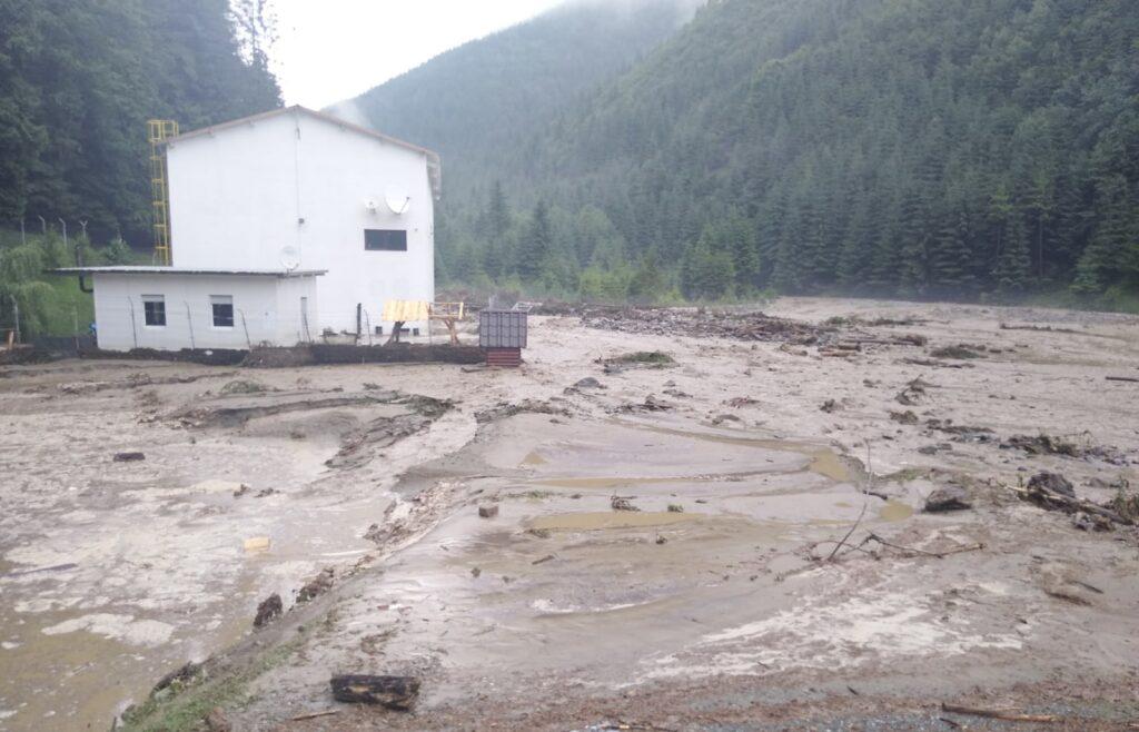 Inundațiile au făcut prăpăd în Argeș. Se evaluează pagubele!