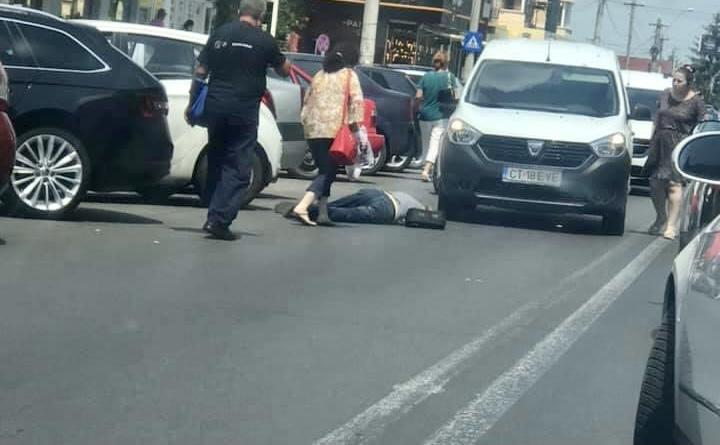 Acum, în Pitești! Bărbat căzut inconștient în trafic
