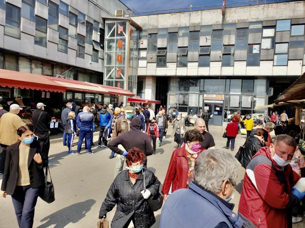 Piața Ceair din Pitești, închisă la final de iulie