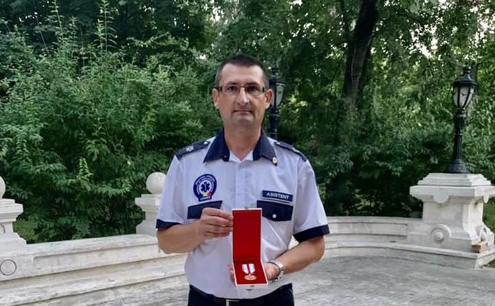 Asistent de la Ambulanță în Pitești, decorat de Iohannis