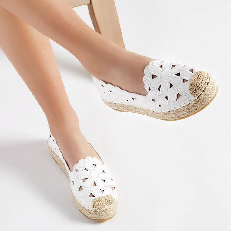 Espadrilele, încălțările vedetă ale verii. Cum le purtăm?