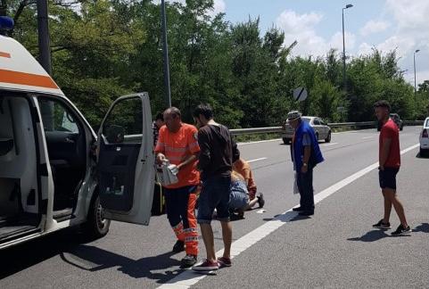 Pieton lovit de o şoferiţă la Costeşti