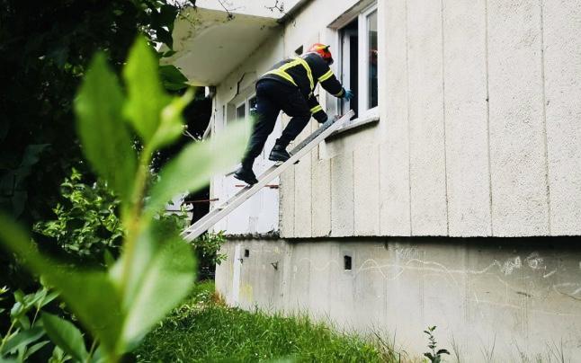 Femeie găsită moartă în propriul apartament din Pitești