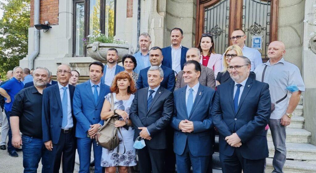 """Miuțescu: Am semnat moțiunea """"Forța Dreptei"""" a președintelui Orban"""