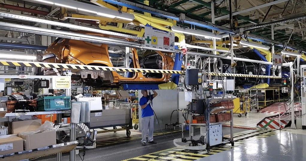 Automobile Dacia a pierdut 7% dintre angajați