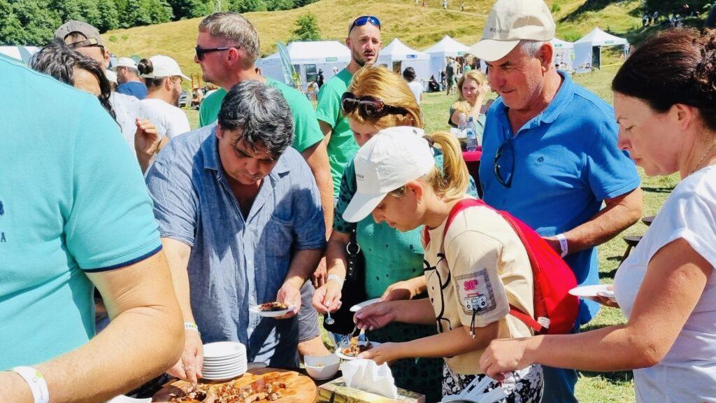 Show culinar la festivalul munților în Argeș