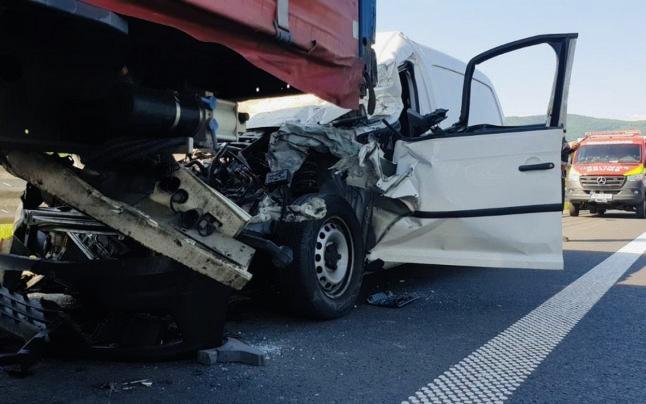 Accident cu două victime la Dedulești. Traficul este îngreunat!