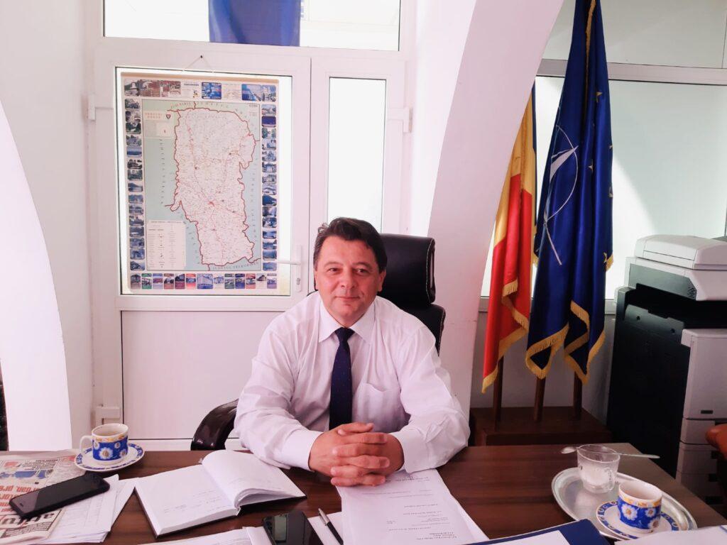 Marius Manole a lăsat fotoliul de director pentru scaunul de primar