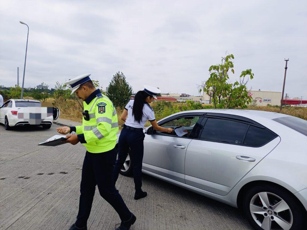 Femei amendate și lăsate fără permis de conducere în Argeș