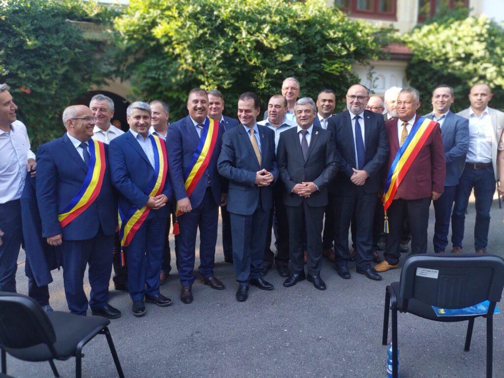 Orban și-a prezentat la vila Florica moțiunea pentru un nou mandat