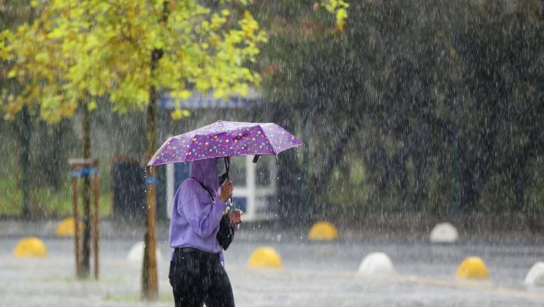 Cod portocaliu de ploi abundente în tot județul Argeș
