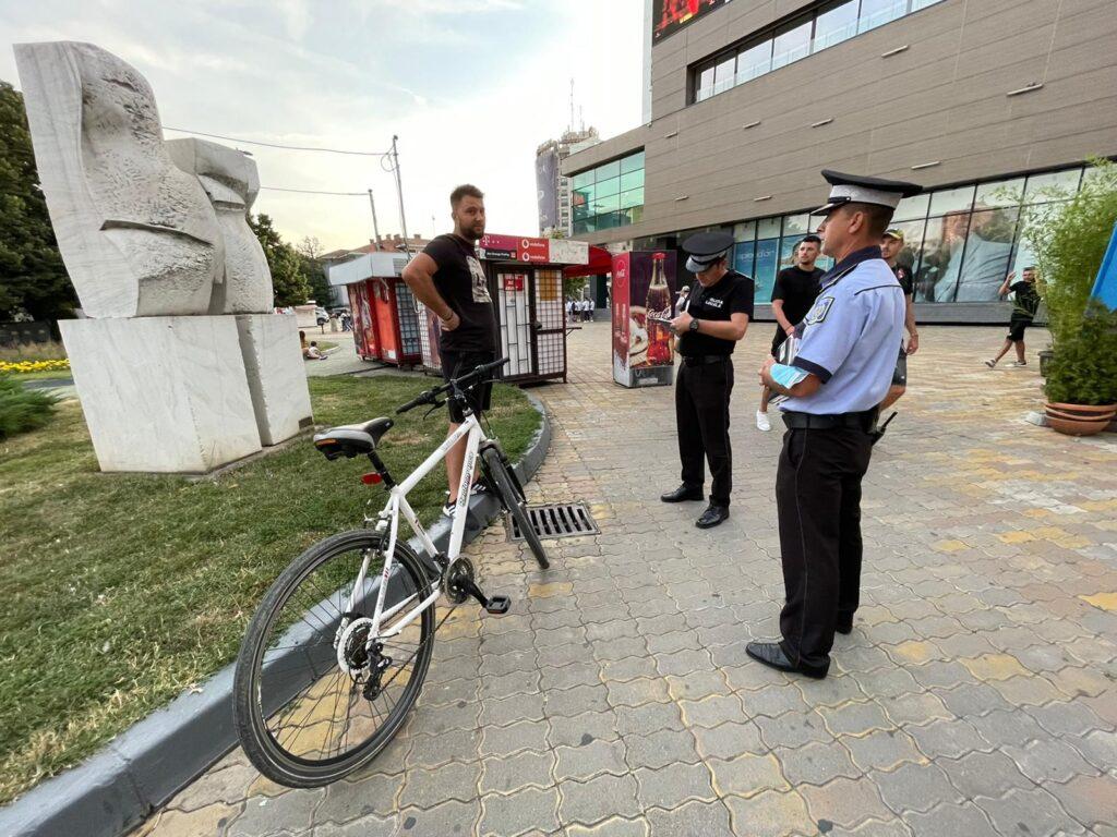 Tânăr biciclist, amendat cu 500 lei în centrul Piteștiului