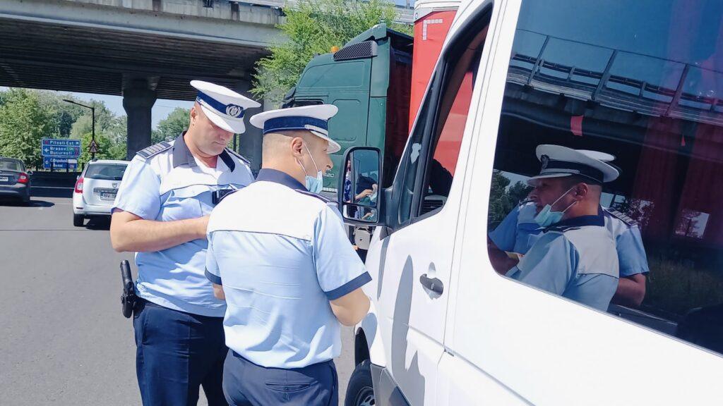 Amenzi record pentru doi șoferi cu aparate montate ilegal în  Argeș