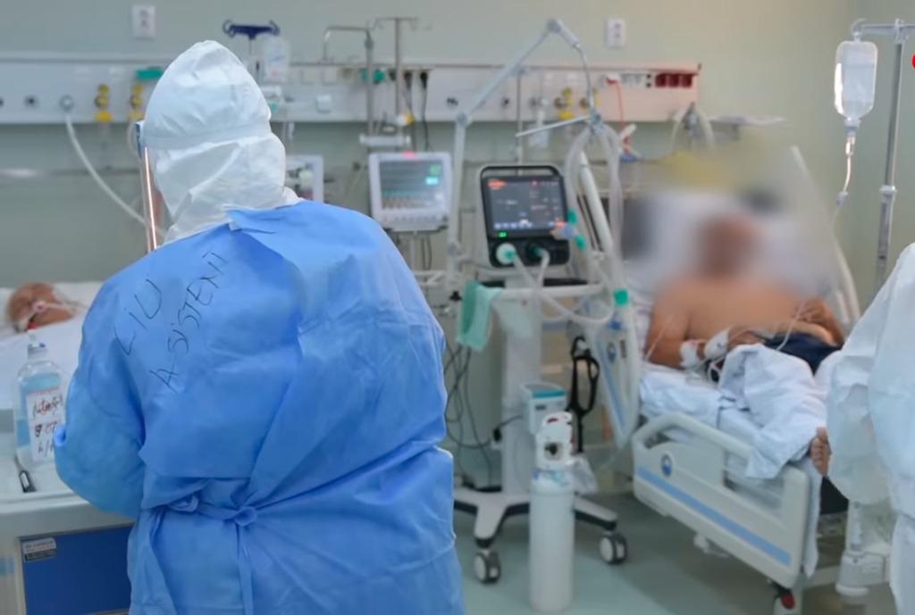 Argeşeanul internat cu adeverinţă falsă de vaccinare a murit