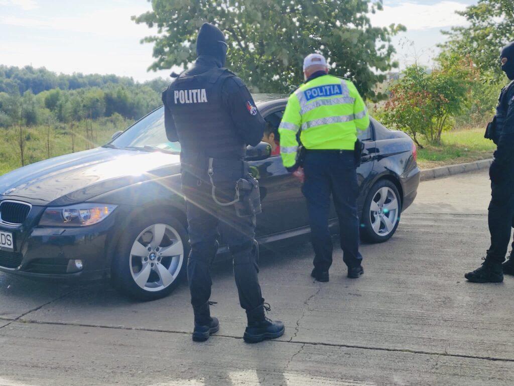 Un tânăr șofer gonea cu 142 km/h la Mihăești