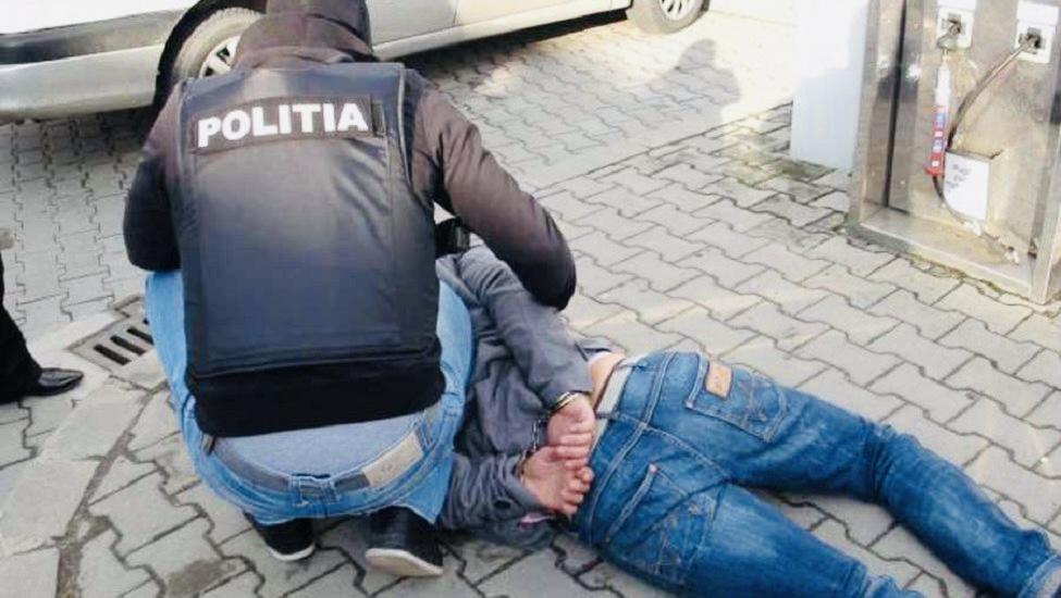 Un bărbat din Argeș agresa sexual femei pe stradă