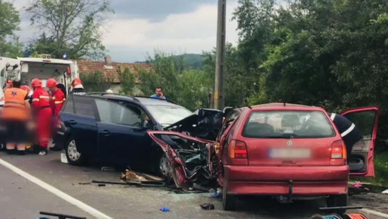 Accident cu două autoturisme implicate acum, la Mărăcineni
