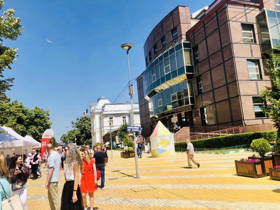 Festival și târg în centrul Piteștiului