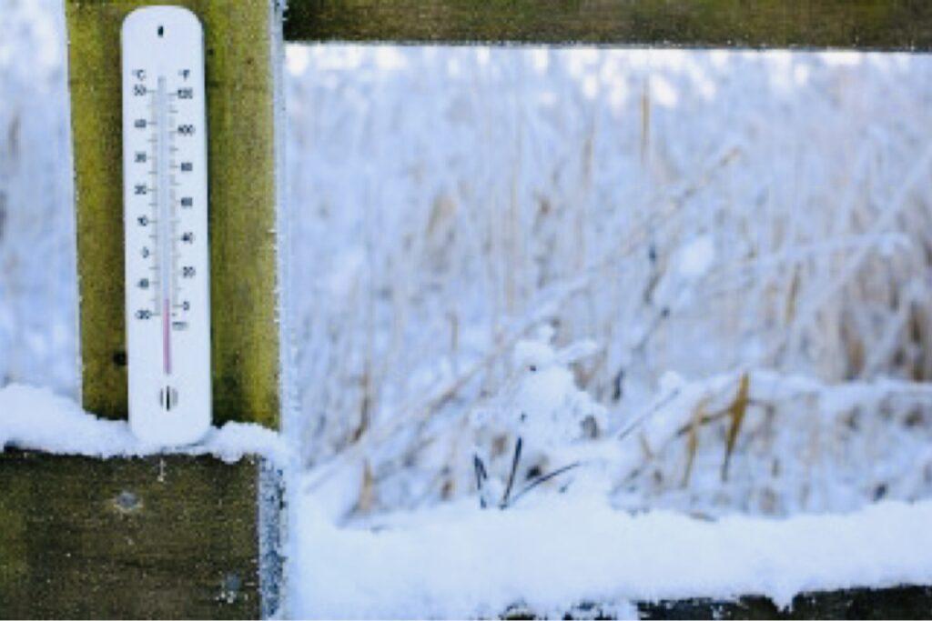 ANM anunță: Alertă de ninsori și lapoviță