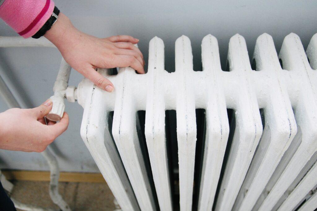Din ianuarie 2022, scade TVA-ul pentru căldură și apă caldă
