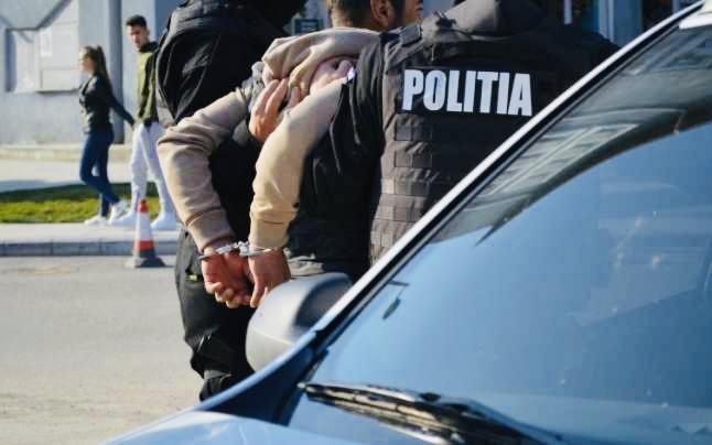 Tânăr de 16 ani, bătut lângă stadionul Dobrin din Pitești