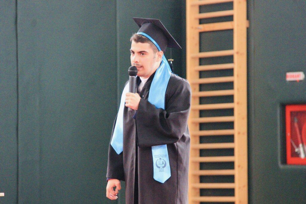 Povestea argeșeanului autist care și-a luat diploma de Bac