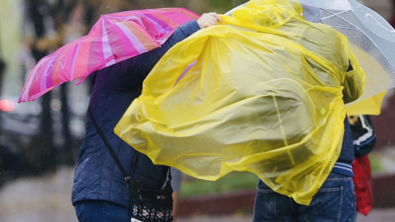 Toamna își intră în drepturi: Cod galben de vânt și ploi în Argeș