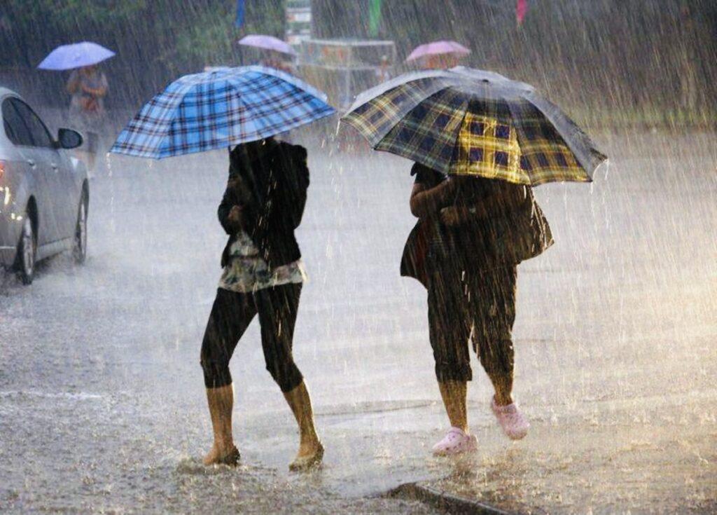 Vreme severă în Argeş, cod portocaliu de ploi abundente!