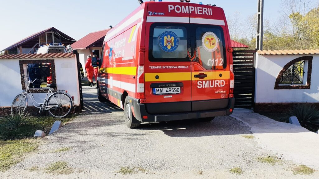 Familie distrusă în Argeș. Bărbat mort, iar soția în stare gravă