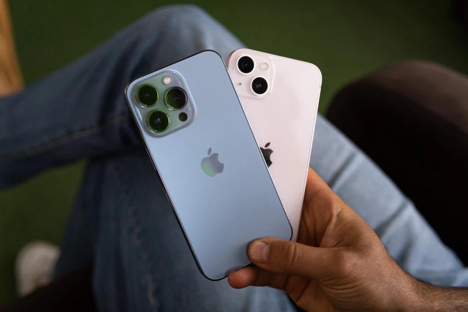 iPhone 13, lovit de criza cipurilor. Stocurile sunt epuizate!