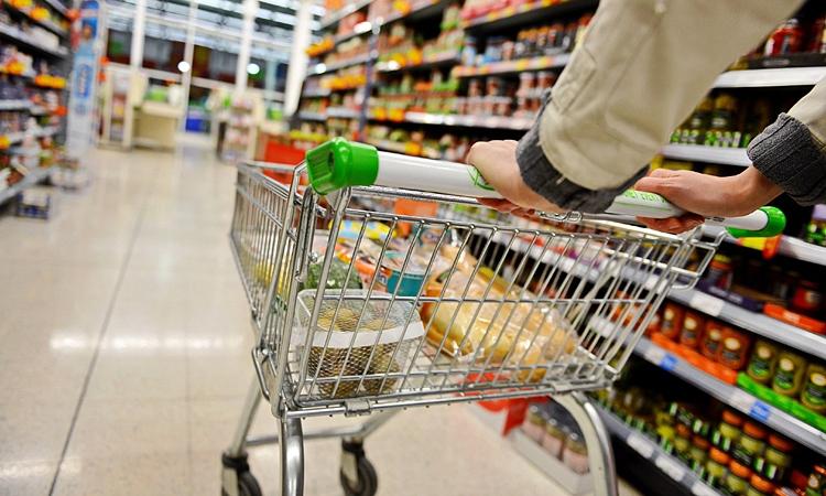 Certificatul verde, introdus și în magazine?