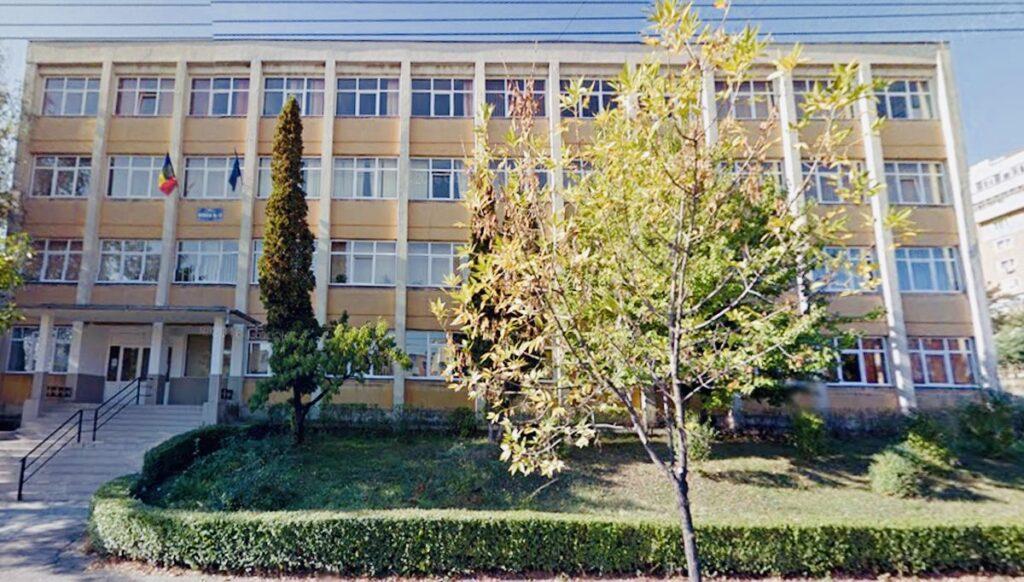 Școli din Argeș cu sute de îmbolnăviri în catalogul... Covid