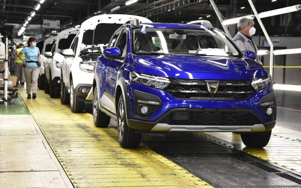 Uzina Dacia Mioveni își întrerupe din nou activitatea!