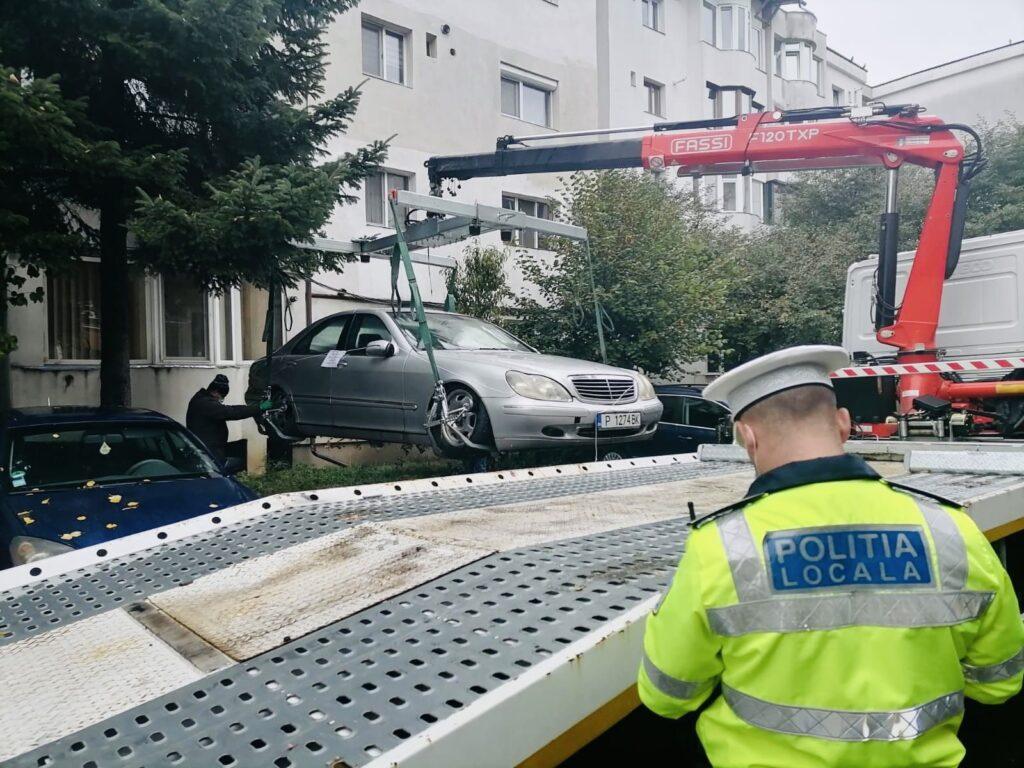 Mașini abandonate în Pitești, ridicate de polițiștii locali