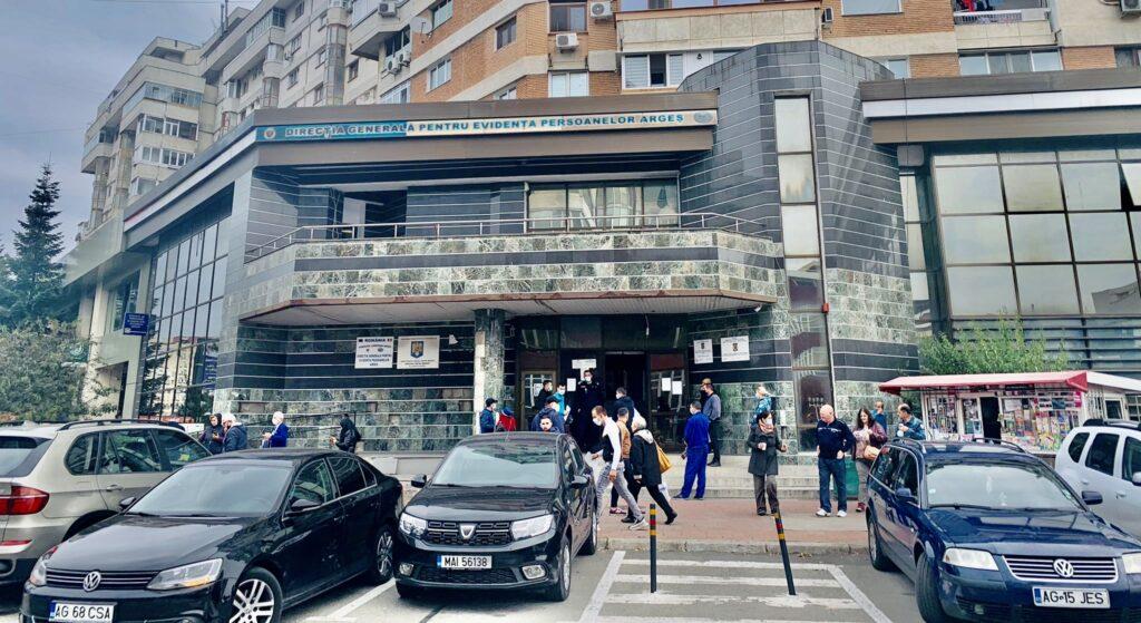 Fără certificatul verde, interzis la Pașapoarte în Pitești!